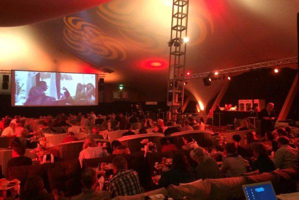 header-public-event-4-meee-event-generalunternehmer-generalunternehmung-agentur-catering-events-firmenevent-corporate-eventlocation-zuerich-schweiz